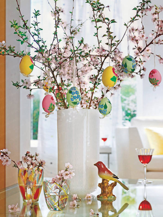 Easter decorations with eggs