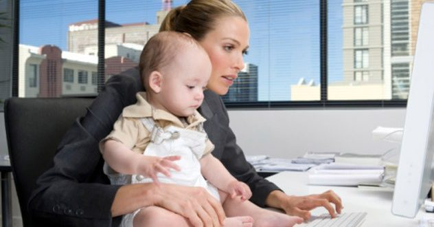 No one will deny that it is particularly difficult to build a career when we have children.